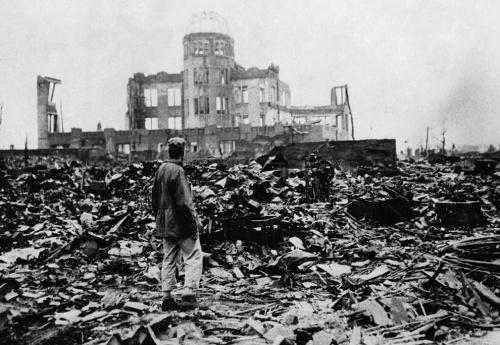 Hiroshima após ser atingida pela bomba atômica (1945)