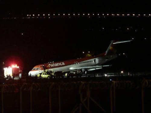 Avião da Avianca fez pouso de emergência em Brasília devido a um problema no trem de pouso dianteiro em março de 2014