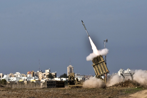 Uma bateria antimísseis do Iron Dome (fonte: businessweek.com)