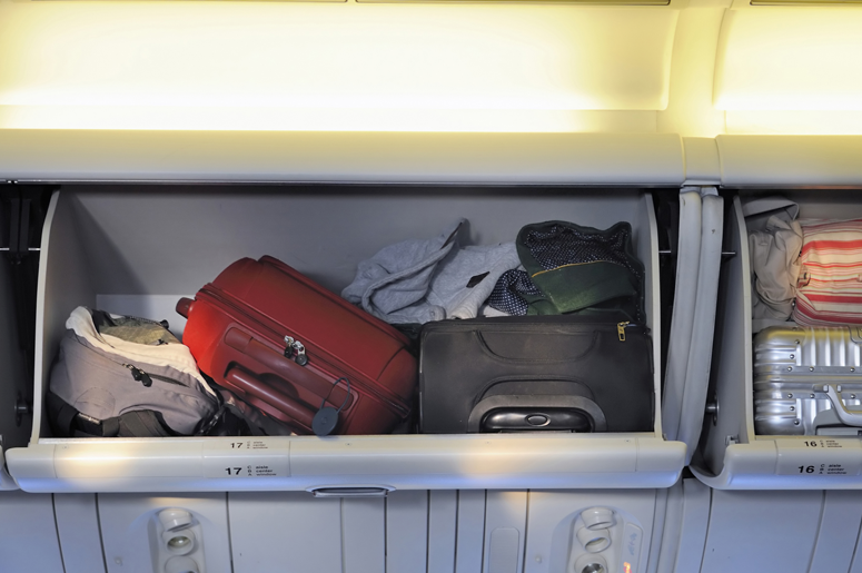 AIRPLANE-OVERHEAD-BAGGAGE-BIN